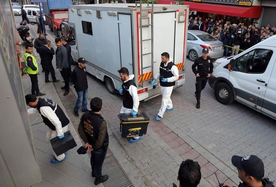 Vụ nhà báo Ả Rập Saudi bị sát hại: Thi thể bị hủy mặt cuộn trong tấm thảm - Ảnh 1.