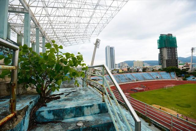 sân vận động chi lăng - photo 1 15404376215341230881125 - Sân vận động Chi Lăng hoang tàn sau gần 8 năm bán cho doanh nghiệp