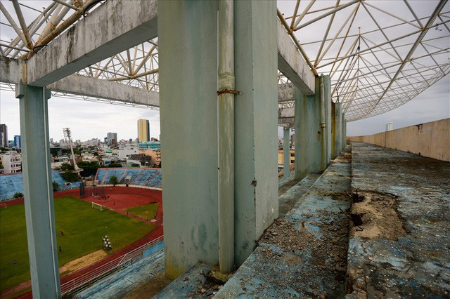 sân vận động chi lăng - photo 3 1540437621539808771467 - Sân vận động Chi Lăng hoang tàn sau gần 8 năm bán cho doanh nghiệp