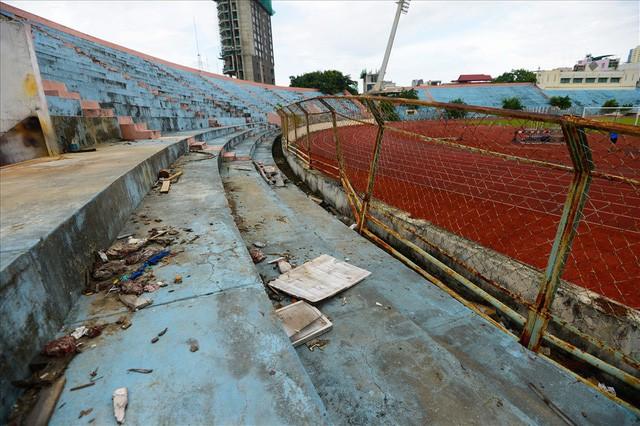 sân vận động chi lăng - photo 6 1540437621557871135861 - Sân vận động Chi Lăng hoang tàn sau gần 8 năm bán cho doanh nghiệp