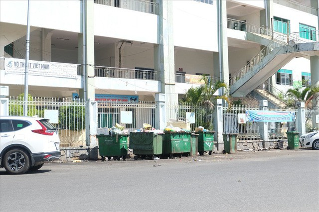 sân vận động chi lăng - photo 8 1540437621559682865293 - Sân vận động Chi Lăng hoang tàn sau gần 8 năm bán cho doanh nghiệp