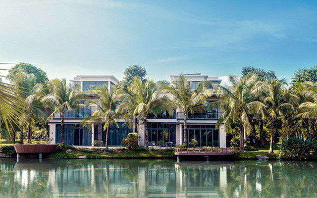 Choáng ngợp với độ xa xỉ của biệt thự siêu sang ven đô Hà Nội - Ảnh 2.