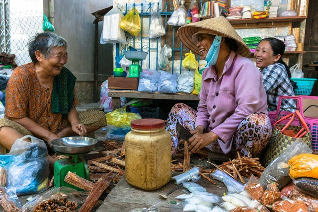 Chàng nhiếp ảnh bại não ở Sài Gòn từng bị trường cấp 2 từ chối: Nhiều người hỏi mình đi học làm gì, lớn lên ai mà mướn? - Ảnh 7.