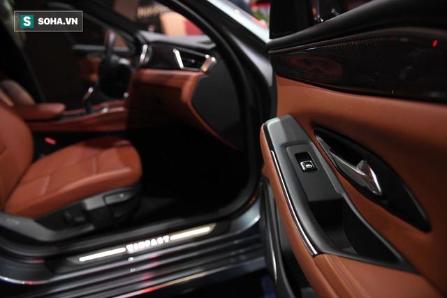 [Góc ấn tượng] Trải nghiệm toàn bộ sự kiện ra mắt xe VinFast qua bộ ảnh tuyệt đẹp từ Pháp - Ảnh 12.