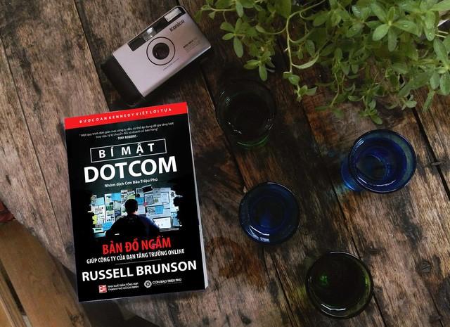 10 cuốn sách gối đầu giường của các doanh nhân nổi tiếng có thể khiến bạn đổi đời  - Ảnh 8.