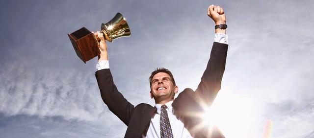 đầu tư giá trị - photo 1 15387902979021714865961 - Khủng hoảng sự nghiệp sau tuổi 40: Ai rồi cũng có lúc khó khăn nhưng hãy nhớ 4 thực tế này, bế tắc nào cũng có lối giải thoát!