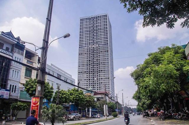 Cận cảnh tòa nhà nghìn tỷ cao thứ 3 Hà Nội bị ngân hàng siết nợ - Ảnh 1.
