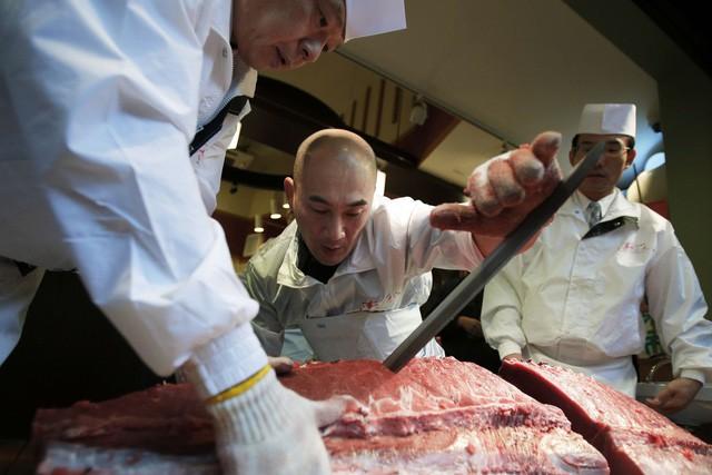 Kỷ nguyên mới cho chợ cá lâu đời nhất Nhật Bản, nơi xử lý 1.600 tấn hải sản mỗi ngày - Ảnh 4.