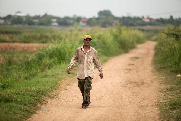 Tín dụng vi mô: Hiểm họa khôn lường đang đe dọa nền kinh tế Campuchia - Ảnh 1.