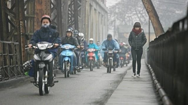 Đêm mai không khí lạnh tràn về, Bắc Bộ chuyển rét, nhiệt độ giảm mạnh - Ảnh 1.