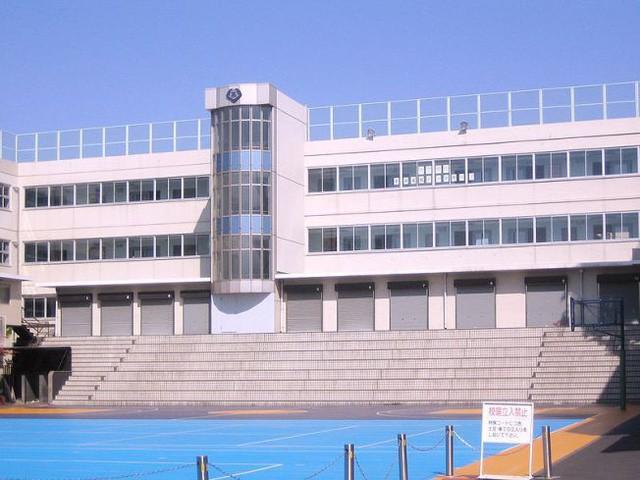 Ngôi trường chỉ dành cho con nhà siêu giàu hoặc giới siêu sao ở Nhật với loạt nội quy khắt khe không giống ai - Ảnh 4.