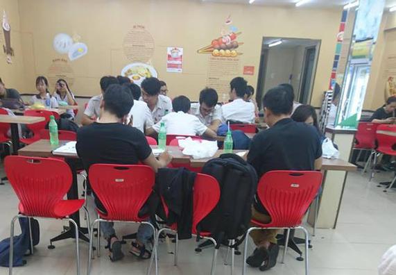 7-Eleven phát triển rực rỡ ở Thái Lan, GS25 là đại gia ở Hàn Quốc nhưng cả 2 đều vào Việt Nam quá muộn và chẳng thể mở rộng được như kỳ vọng vì nguồn gốc chết người này? - Ảnh 6.