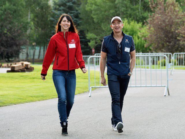 Ông chủ Amazon Jeff Bezos cưới vợ chỉ sau 6 tháng quen biết nhưng hạnh phúc không ai bằng - Ảnh 3.