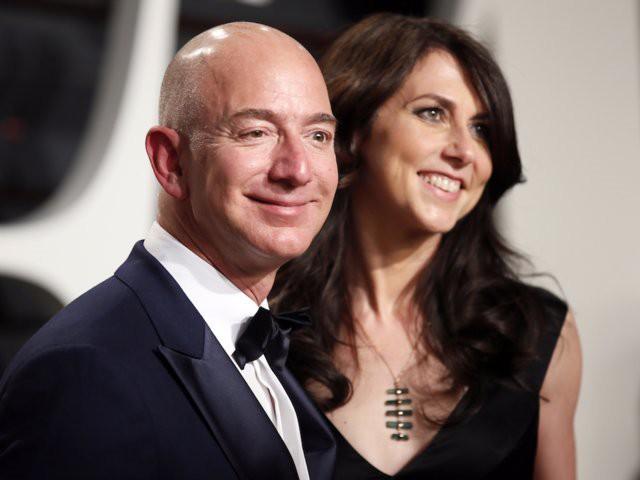 Ông chủ Amazon Jeff Bezos cưới vợ chỉ sau 6 tháng quen biết nhưng hạnh phúc không ai bằng - Ảnh 2.