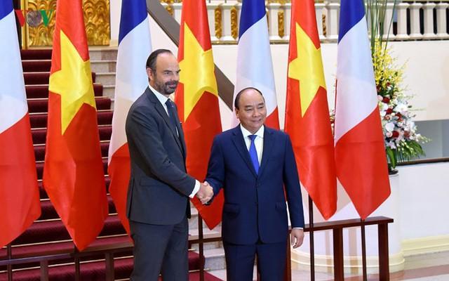 Hình ảnh lễ đón trọng thể Thủ tướng Pháp thăm chính thức Việt Nam - Ảnh 11.