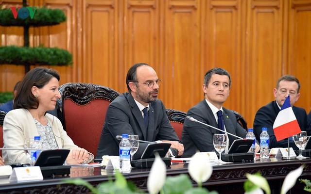 Hình ảnh lễ đón trọng thể Thủ tướng Pháp thăm chính thức Việt Nam - Ảnh 14.