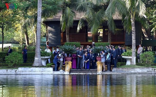 Hình ảnh lễ đón trọng thể Thủ tướng Pháp thăm chính thức Việt Nam - Ảnh 9.