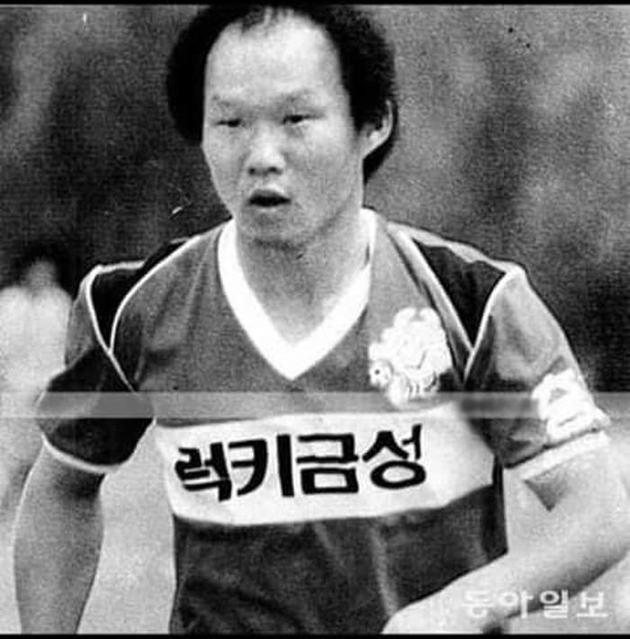 park hang-seo - photo 1 1542682065547145212052 - Nhìn lại những hình ảnh độc và hiếm về thanh xuân đầy máu lửa của Park Hang-seo