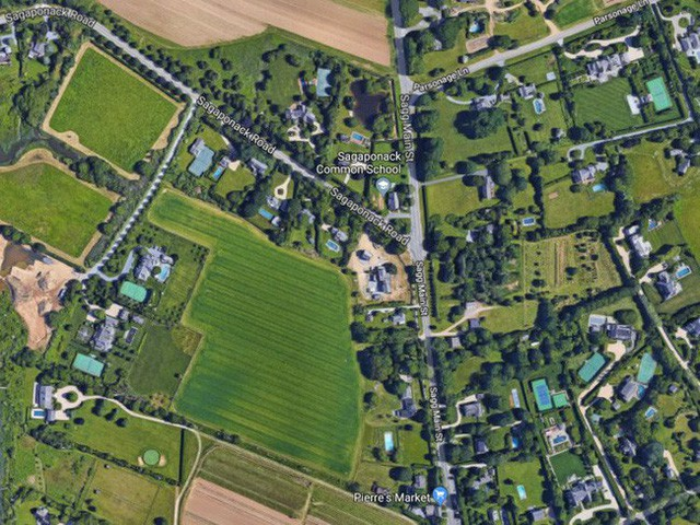 Bên trong ngôi làng toàn dinh thự triệu đô ở Mỹ - Ảnh 5.