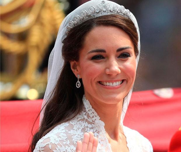 Bí mật động trời trong đám cưới William - Kate: Kate trái lệnh Hoàng gia để làm điều này nhưng lý do đằng sau lại quá đỗi ngọt ngào - Ảnh 4.