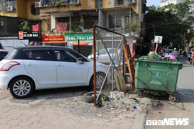 Ảnh: Bãi đỗ xe thông minh đắp chiếu, biến thành nơi trông xe truyền thống tại Hà Nội - Ảnh 10.