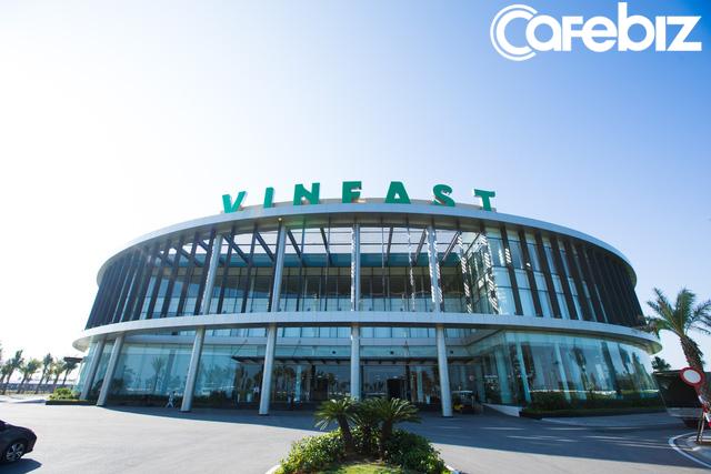 [Inside Factory] Hé lộ những hình ảnh bên trong Nhà máy sản xuất xe máy điện thông minh của VinFast - Ảnh 1.