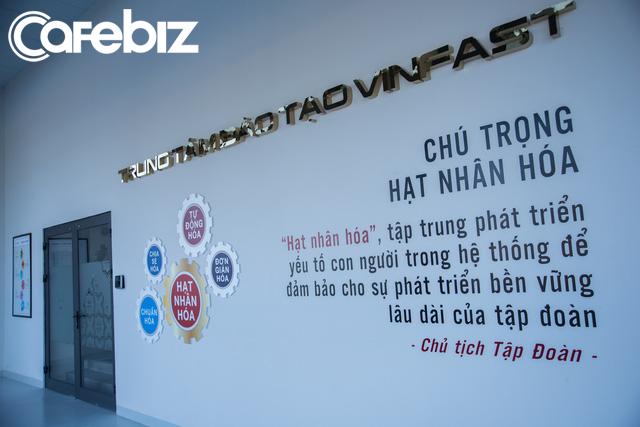 [Inside Factory] Hé lộ những hình ảnh bên trong Nhà máy sản xuất xe máy điện thông minh của VinFast - Ảnh 9.