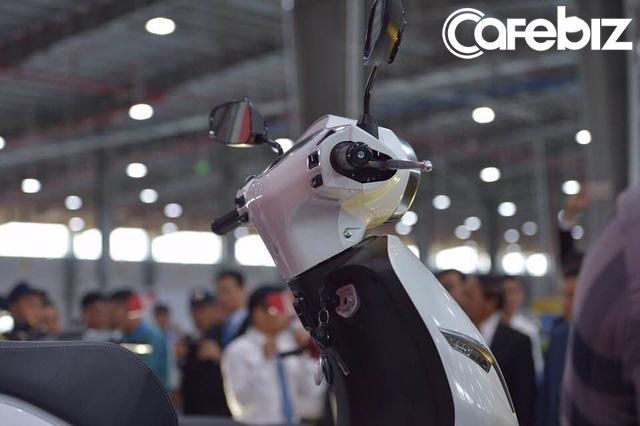VinFast chính thức ra mắt xe máy điện thông minh: Kết nối Internet 3G, định vị GPS, khóa và mở khóa xe từ xa, thân thiện với môi trường - Ảnh 7.
