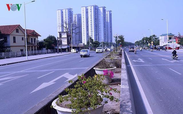 Cận cảnh phố 8 làn xe ở Hà Nội được đề xuất đặt tên Trịnh Văn Bô - Ảnh 5.