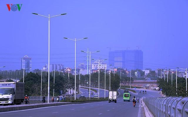 Cận cảnh phố 8 làn xe ở Hà Nội được đề xuất đặt tên Trịnh Văn Bô - Ảnh 8.
