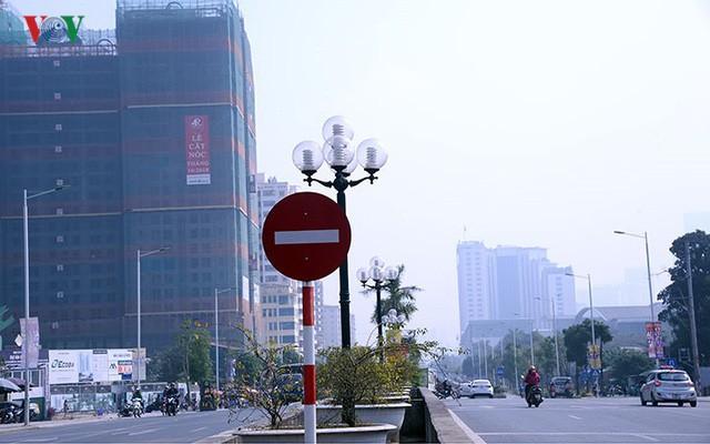 Cận cảnh phố 8 làn xe ở Hà Nội được đề xuất đặt tên Trịnh Văn Bô - Ảnh 9.