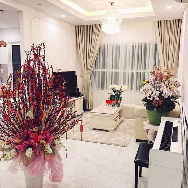 """Khối tài sản """"không phải dạng vừa"""" của loạt sao Việt dưới 25 tuổi: Nhà lầu hạng sang, xế hộp khủng và vô số hàng hiệu - Ảnh 11."""