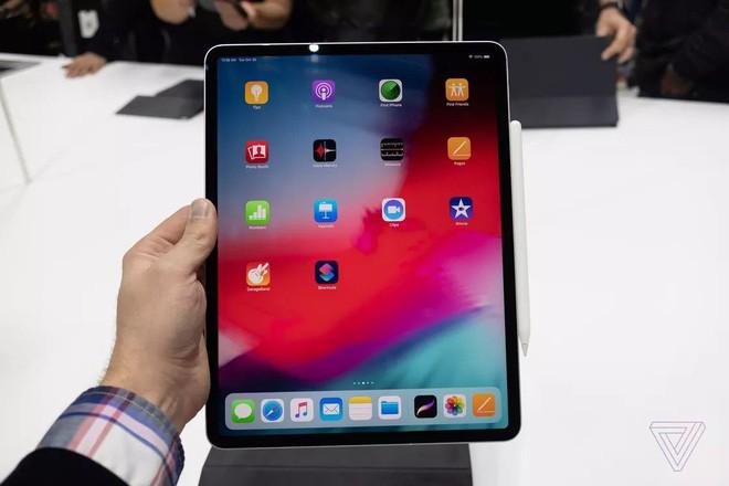 macbook air 2018, apple, - photo 3 1541558326360483186413 - 10 năm trước, MacBook Air là vô đối nhưng nay thời thế khác lắm rồi Apple ơi