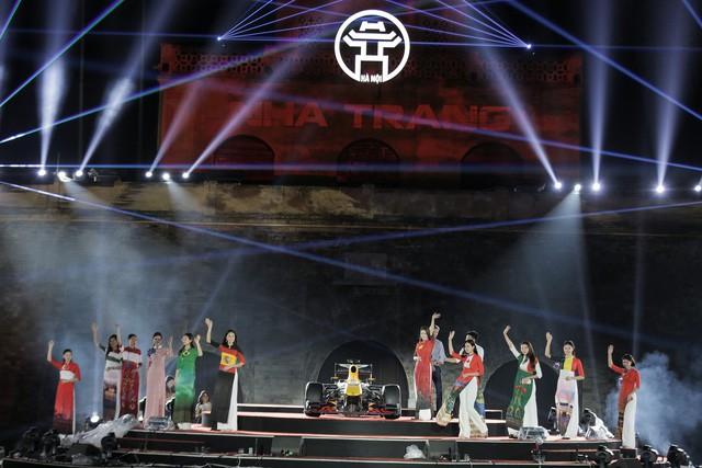 20h tối nay, lễ ra mắt giải đua xe F1 được tổ chức hoành tráng ở Hoàng thành Thăng Long - Ảnh 4.