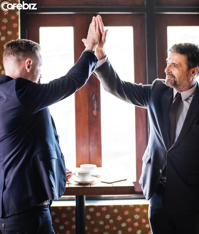 9 quy tắc giúp bạn từ một người hướng nội trở thành bậc thầy thương thuyết, được sếp trọng dụng, đối tác nể phục - Ảnh 1.