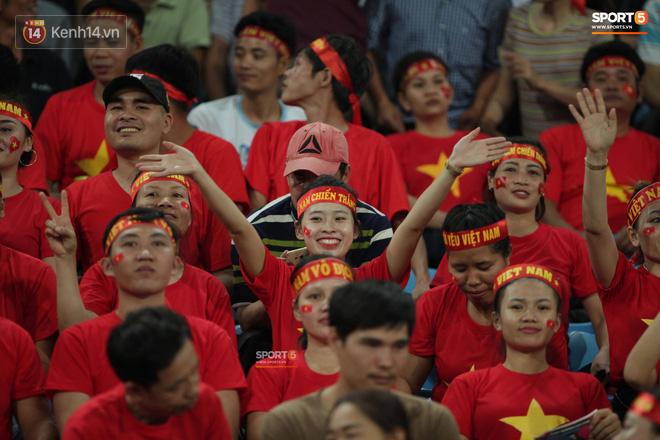 aff cup 2018 - photo 1 15417358817181059626061 - Đây mới là lý do khiến cầu thủ Lào chạnh lòng sau trận thua Việt Nam ở AFF Cup 2018