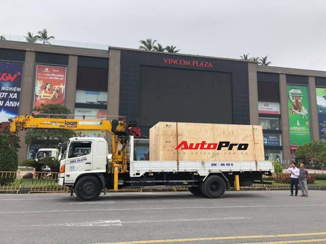 VinFast Lux SA2.0 lần Thứ nhất xuất hiện ở Việt Nam - Ảnh 2.