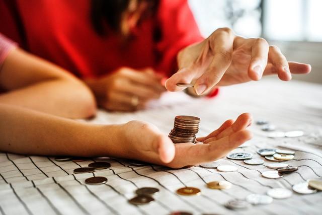 Muốn quản lý tốt chi tiêu, trước hết bạn phải học cách thay đổi tư duy về tiền bạc - Ảnh 1.