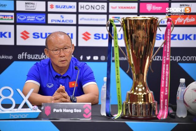 HLV Park Hang-seo: 80.000 fan Malaysia không phải vấn đề với tuyển Việt Nam  - Ảnh 1.