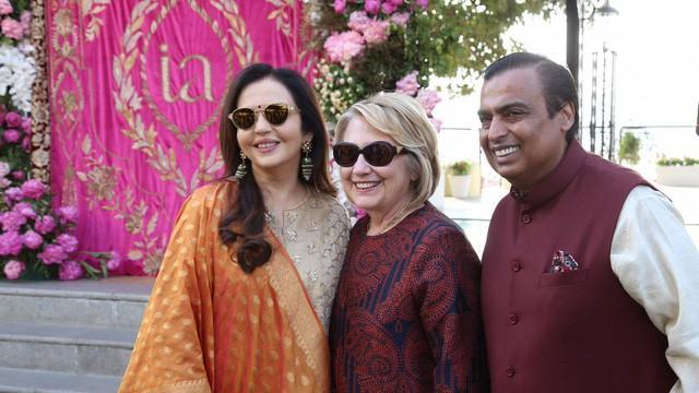 Đám cưới rich kid giàu nhất Ấn Độ: Dàn khách mời siêu khủng từ Hillary Clinton đến Beyonce đều có mặt  - Ảnh 1.