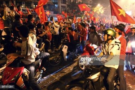 Nhìn lại chặng đường 10 năm cảm xúc của người hâm mộ với 5 dấu mốc đáng nhớ của bóng đá nam Việt Nam - Ảnh 2.