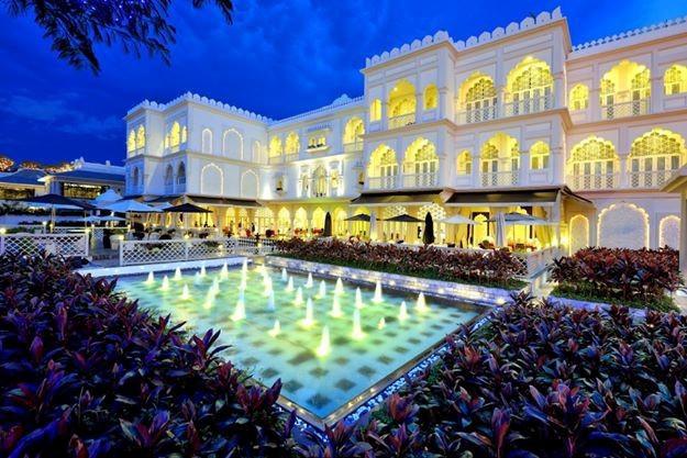 """""""Lâu đài"""" TajmaSago, nhà hàng Cham Charm của Khai Silk bất ngờ được ông chủ mới tiếp quản  - Ảnh 1."""