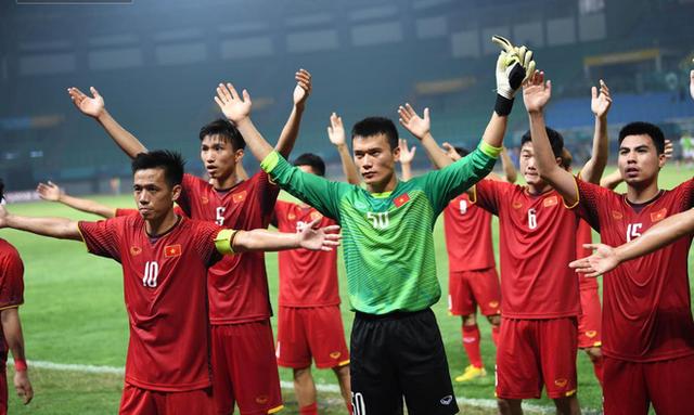 aff cup 2018 - photo 1 1545095504067805374905 - Những chiến tích làm thay đổi nền bóng đá Việt Nam của thầy trò Park Hang-seo: Chưa bao giờ ĐT Việt Nam mạnh đến thế!