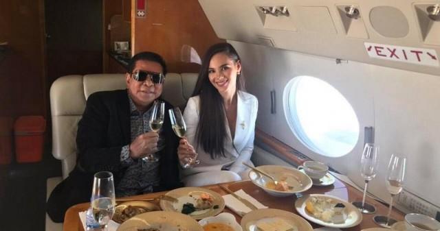 Vừa đăng quang, Hoa hậu Hoàn vũ 2018 đã được đại gia Philippines đón về nước bằng phi cơ riêng với dịch vụ siêu sang - Ảnh 1.