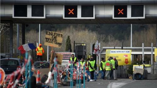 Chính phủ Pháp đau đầu vì lực lượng cảnh sát cũng đe dọa đình công, xuống đường biểu tình - Ảnh 1.