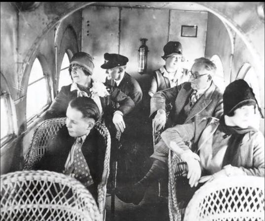 """Vé máy bay - Một quãng đường, nhiều giá bán: Mô hình kinh doanh """"lợi dụng"""" túi tiền và sự khó chịu của khách hàng - Ảnh 3."""