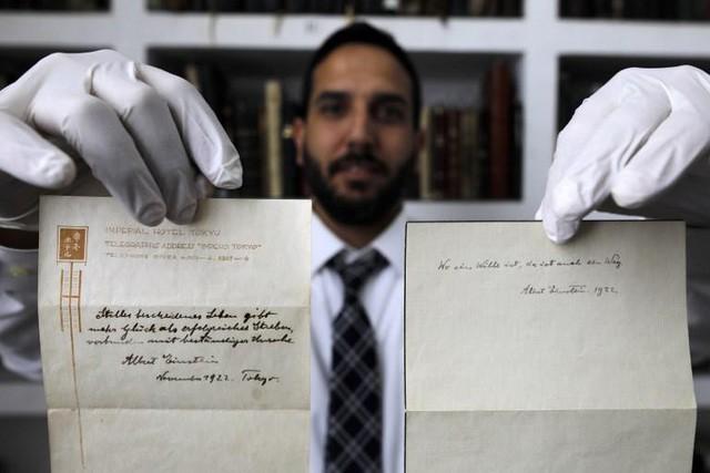 Điều bí mật trong công thức hạnh phúc được đấu giá tới 1,5 triệu USD của thiên tài Albert Einstein - Ảnh 1.