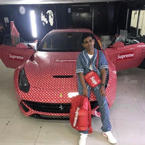 'Rich kid' đẳng cấp Dubai: Sở hữu BST giày trị giá 1 triệu USD, sinh nhật được tặng siêu xe Ferrari, gặp gỡ các sao hạng A thế giới như cơm bữa - Ảnh 6.