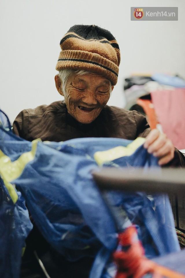 Ghé thăm cụ bà lưng còng trong bức ảnh gục đầu bên gánh hàng rong giữa ngã tư Hà Nội khiến nhiều người xót xa  - Ảnh 8.
