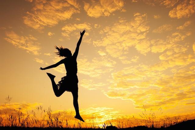 Nếu muốn thành công và hạnh phúc, hãy buông tay 9 điều này: Càng lưu tâm, càng vướng bận! - Ảnh 1.